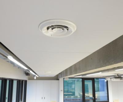 Intégration de panneau dans la ventilation